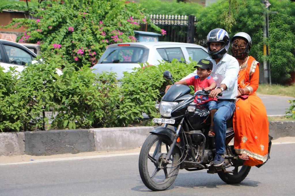 India traffic - motor bikes